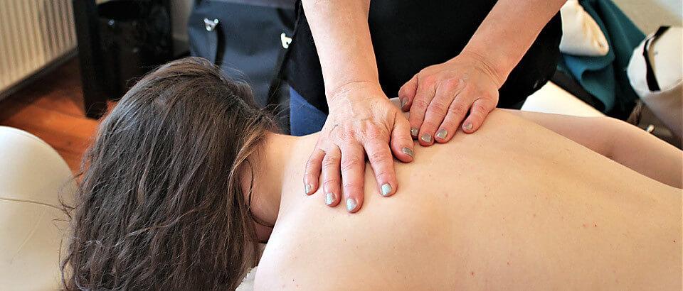 Holistisk massage på egen klinik i centralt i Silkeborg.